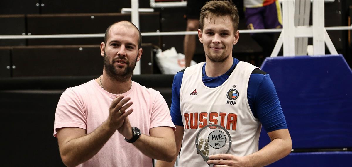Александр Зуев: «Победный бросок - не случайный, но тяжелый и непонятный»