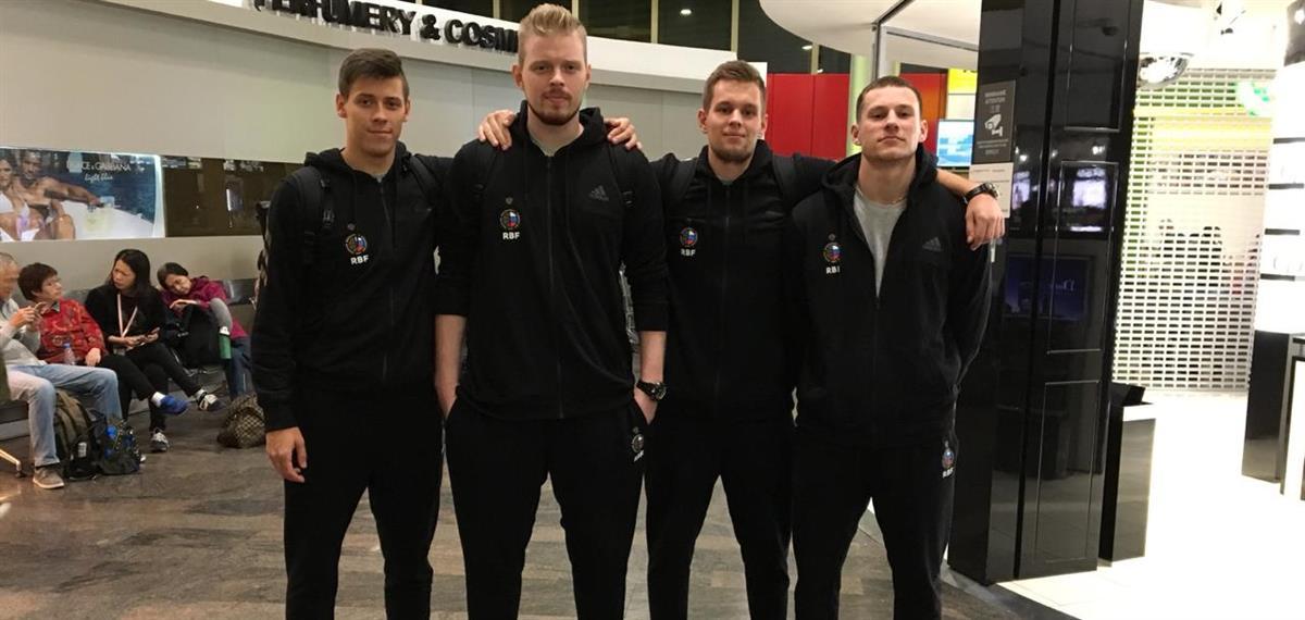 Молодежные сборные России отправились на Кубок мира
