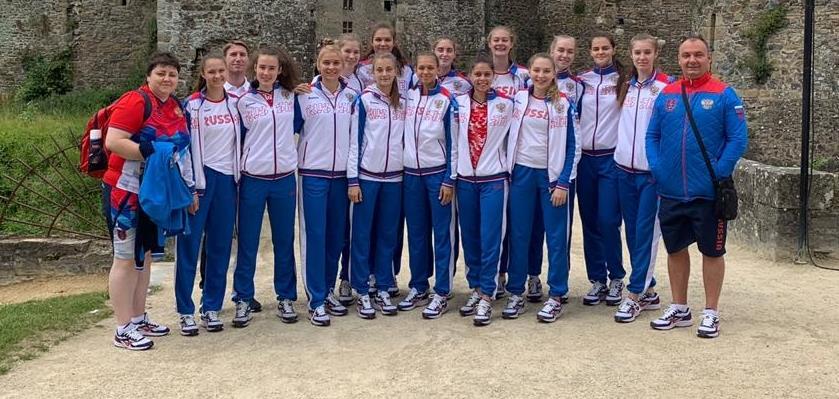 Юниорки U18 отправились на турнир в Испанию