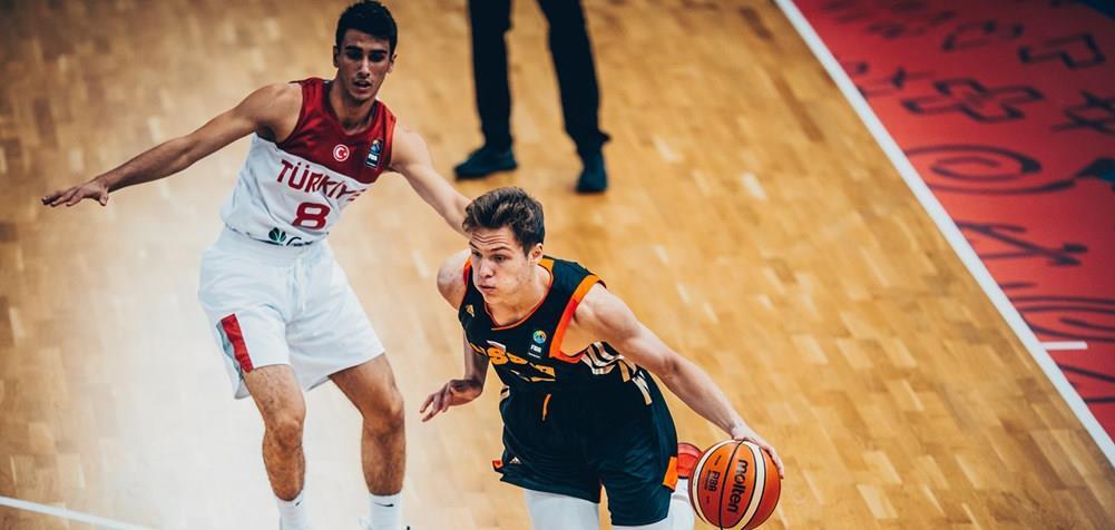 Юноши U18 обыграли Турцию
